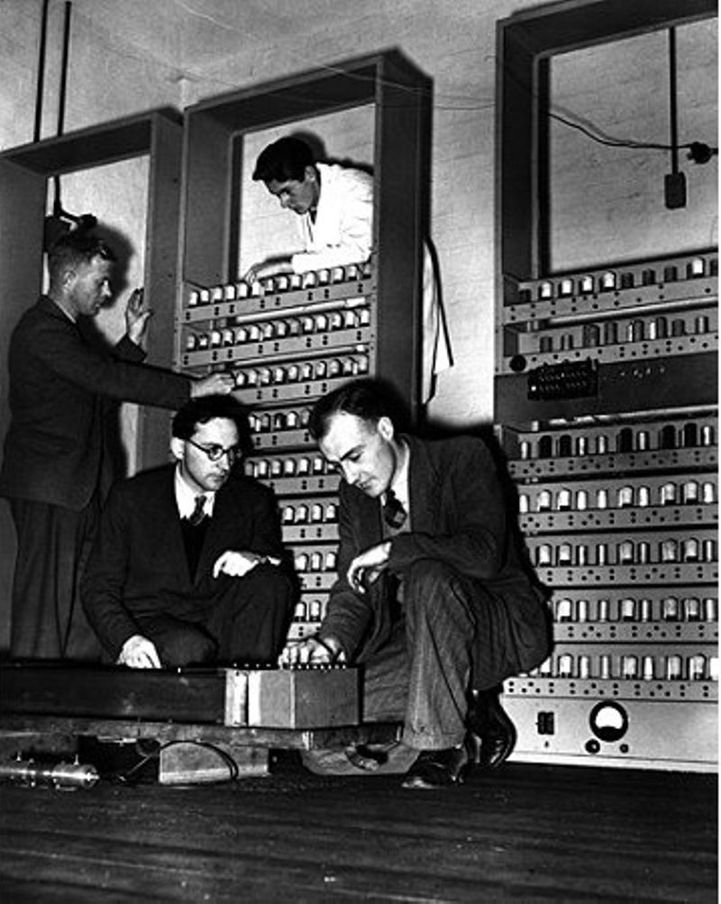 Maurice Wilkes (center) with EDSAC, 1949